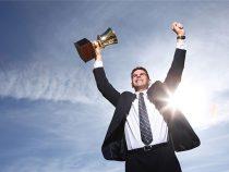 Làm theo doanh nhân thành đạt – Đó là điều ngu ngốc