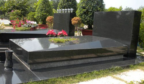 Chi phí và ưu điểm xây lăng mộ bằng đá hoa cương nguyên khối